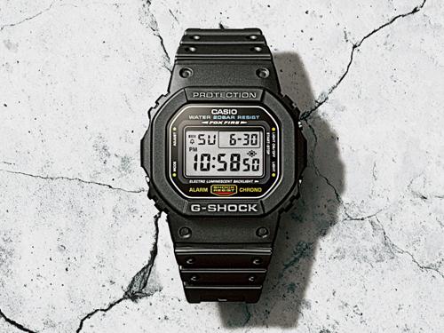 1983年發行的第一個G-Shock DW-5000,圓中帶方復古設計,在錶殼、錶圈、按鈕、螺絲、扣環等細節處可見用心。