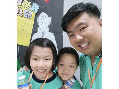 ■黎詠燊(右) 32歲/北海中華公學總校任職教師,八年執教經驗。