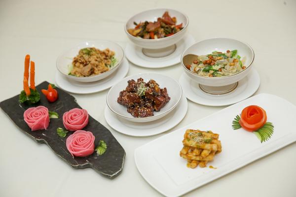 各具風味的餐前六小食,匯聚了多方美食的精髓,每一口都是廚師的用心。