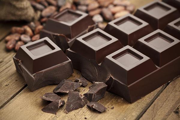 研究指,每月吃3塊黑巧克力可降低心臟衰竭風險13%。