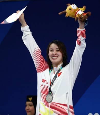■傅園慧在50公尺仰泳敗給隊友劉湘,屈居第2。(路透社)