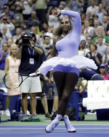■瑟琳娜威廉斯的比賽服裝挺吸引人的。(美聯社)