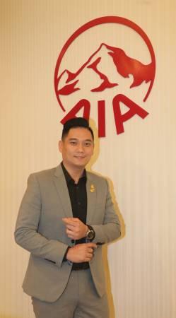 许启鸿在AIA这个平台,以零资本创立自己的事业。