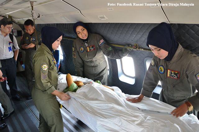 皇家空軍出動直升機載送需要緊急就醫的病患到醫院。