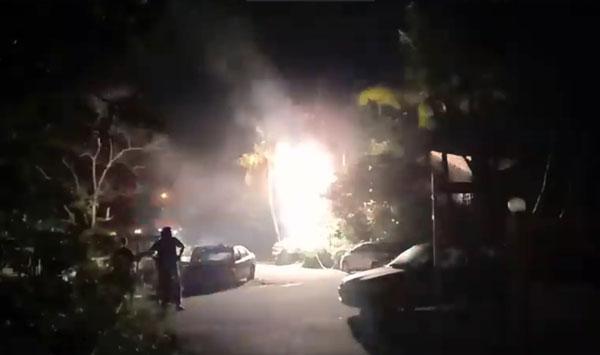 电箱疑电线短路,引发大火后爆炸,吓坏附近民众。