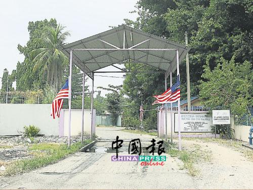 業者向來都把豬只運至位于華林市的宰豬場,唯該宰豬場設備殘舊,需被提升。