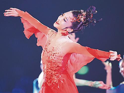 ■葉凱雯在閉幕式渾身解數的表演,為杭州八分鐘的演繹做出顯著的貢獻。(新華社)