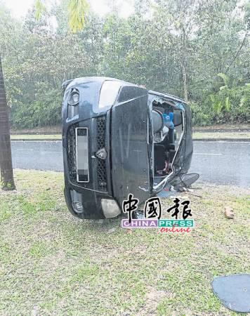 匪徒將轎車駕駛到集益花園附近發生車禍,車子更四輪朝天,擋風玻璃破裂,所幸受害者無生命危險。