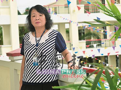 譚細湄的辦公室設在教學樓,所以只要走出來,便可以接觸到學生。