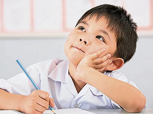 對于孩子,過分管束或安排太多,適得其反,反而限制了孩子的身心發展。想讓孩子心智健全成長,不妨培養孩子的好奇心,讓他們自動自發探索世界,吸取知識!