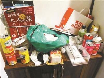 喝空的罐子丟棄在櫃子上。圖/環球網