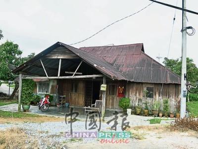 馬口甘榜英達是典型的華人新村,這間老屋見証英殖民地、日治和獨立后幾個時代。
