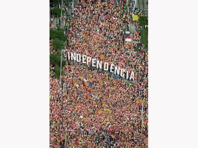 100萬人週二在巴塞羅那參加集會,支持獨立。(路透社)