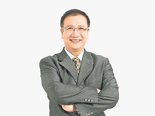 傅家义是中国位列100强的培训师,也是高雄讲师职业工会理事长。