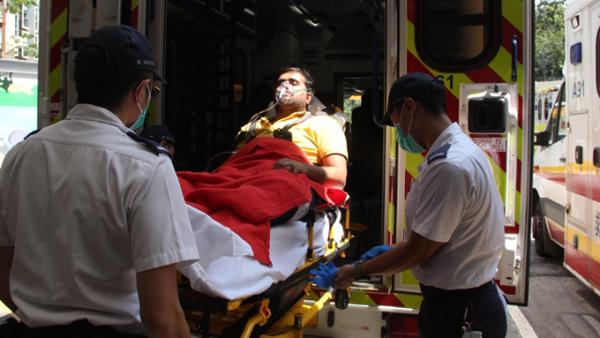 受伤的印度籍珠宝店职员。