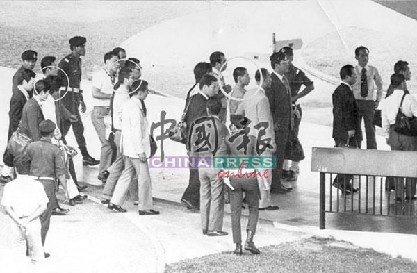 日本政府囚禁的7名赤军成员,只有5人愿意来马。