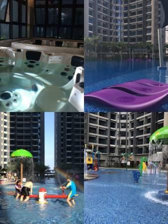 这里有马六甲最大的泳池及水上乐园,非常好玩!还有Jaguzzi及桑拿。