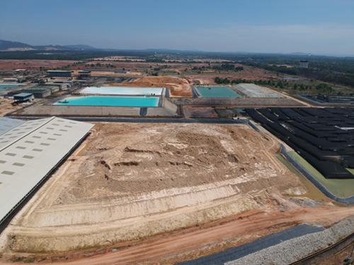 陈文德提供拯救大马委员会聘用摄影师空拍莱纳斯稀土厂,发现厂内存有废料。