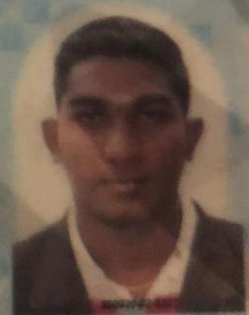 其中一名被抛出外的死者为一名23岁的印裔男子。
