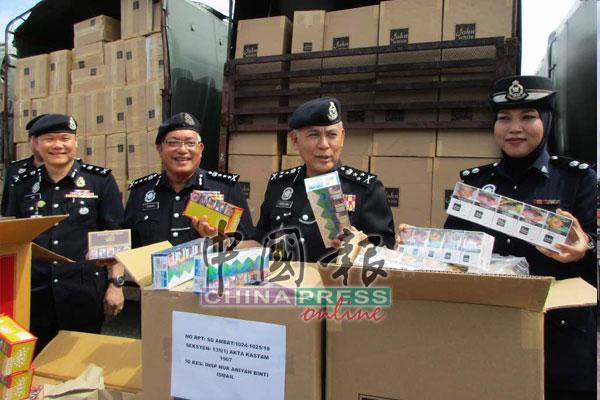 警方起获总值900万令吉各品牌进口香烟。
