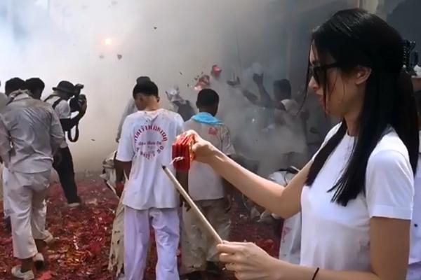 Poyd 因向游行人士掷鞭炮而被网民骂翻。(IG图片)