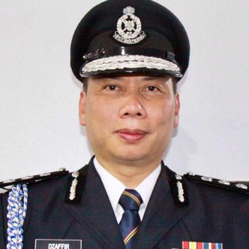 阿末查菲尔说,警方还在追缉5名印裔匪徒的下落。