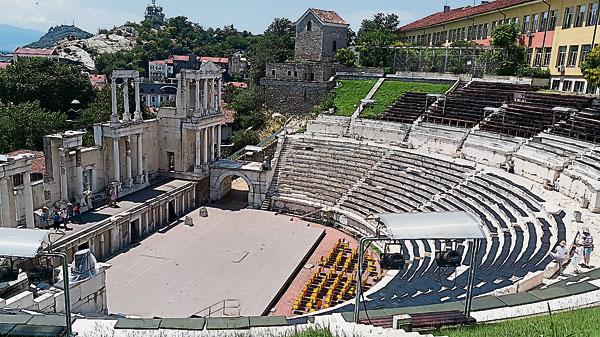 保存完整的古罗马剧场。