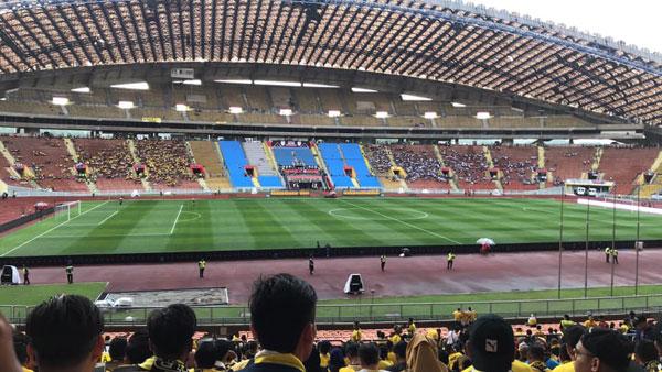20181028pfb20a-Malaysia_Cup_rain
