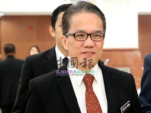 首相署部长拿督刘伟强
