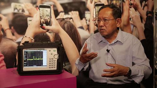 國內射頻專家達列拉曼教授指出,智能電表釋放的是相對安全的非游離輻射,輻射量也大幅低于手機。