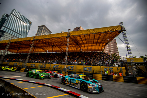 澳门格兰披治大赛车吸引许多来自世界各地的旅客到访 澳门,感受全城大赛车狂热!