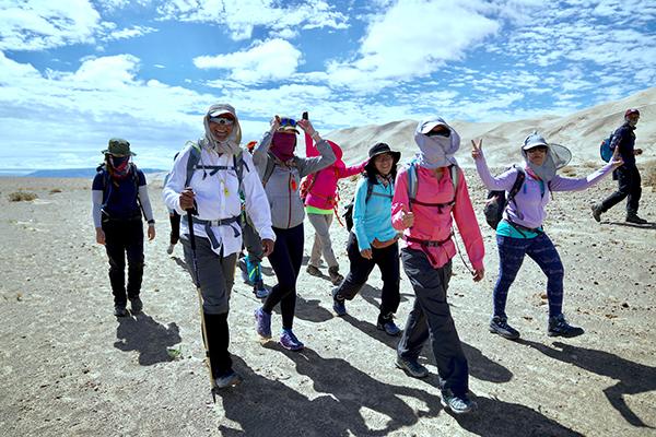 郑伟杰发起蒙古筹款之旅,与18名爱心人士为防癌协会患者筹款。