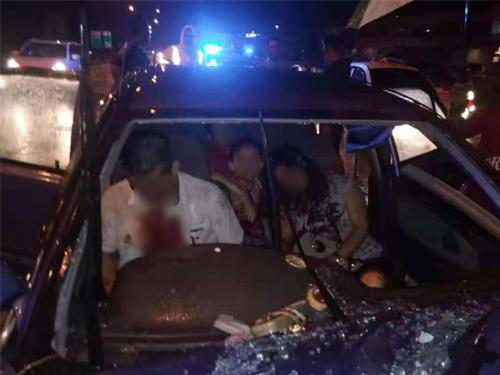 一家四口遇车祸,司机当场死亡。(取自社交媒体)