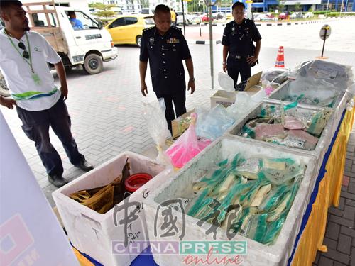 柔州警方今次销毁的毒品,是从2009年至2016年期间侦破131起涉及各类毒品的个案。