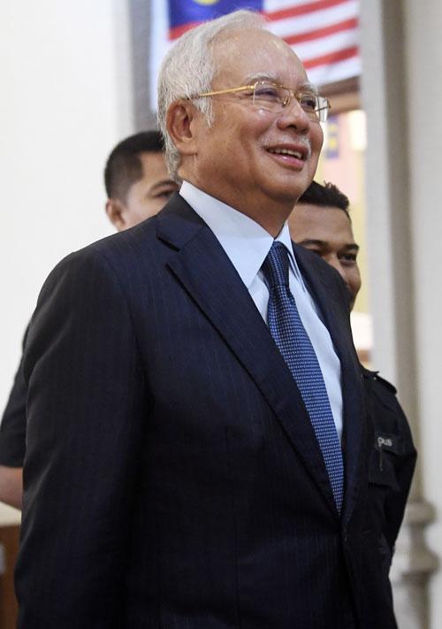 国际评级机构穆迪(Moody)将马石油评级从稳定降级至负面,前首相拿督斯里纳吉讽刺这是希盟政府管理国家财政的结果。