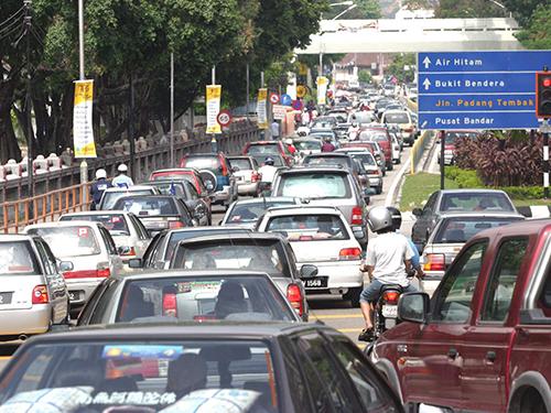 王康立建议,向所有外州车辆征费,以鼓励公众以公共交通工具代步,进入槟城,协助降低进入槟州的交通工具数量。