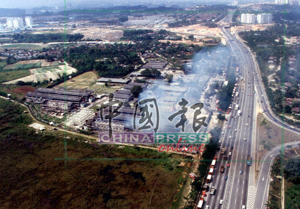 """越南船民被遣送回国后,新街场难民营被改建成""""马来西亚工业园""""。"""