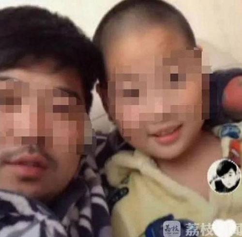 中国江苏省宿迁一名周姓爸爸,最近买了价值1000多元人民币(约604令吉)一车的鞭炮,为儿子放烟火庆祝,盛况可以媲美跨年烟火。而周男庆祝儿子的事,竟然是因为他考了7分。