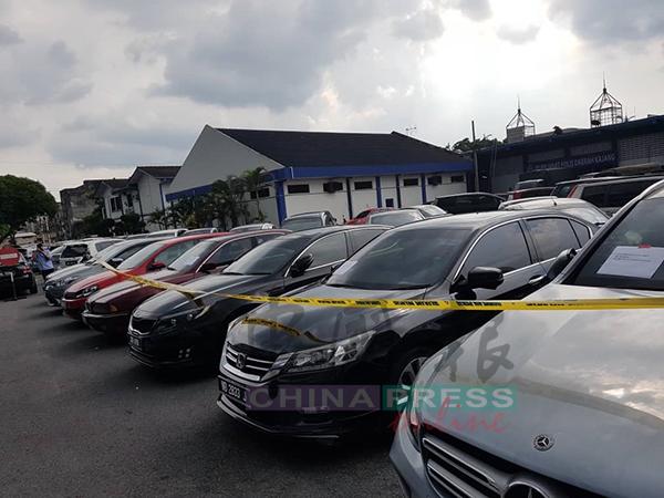 加影警方成功瓦解两个专门破门行窃和偷车的华裔匪党。