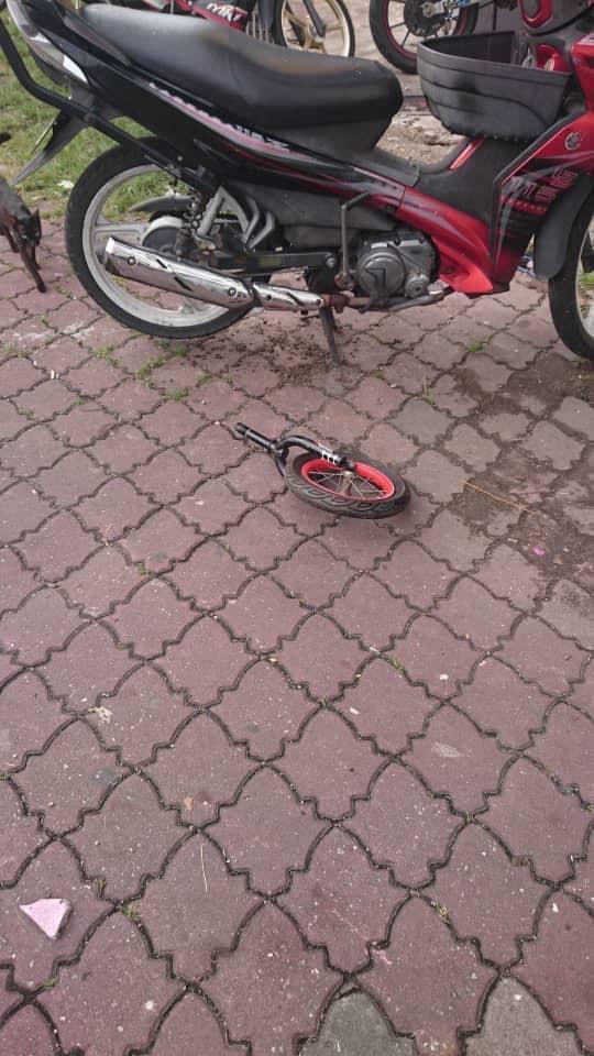 男子遭一個從高樓拋下的腳踏車輪子砸中受傷。