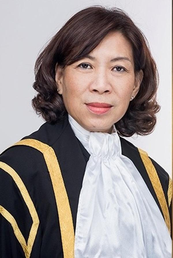 高庭法官游贞桂