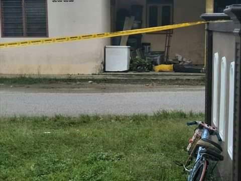 1名小偷到甘榜住家盗窃香蕉,被屋主发现后,召集亲友活活打死小偷,屋主事后已逃离现场。