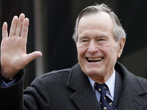 周三早上11时,美国人不分党派、政见,周三一同在华盛顿国家大教堂,送别上周五以94岁高龄辞世的总统老布什。
