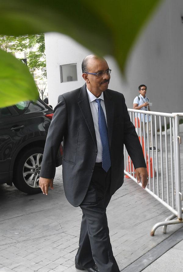 阿里韩沙周二早上抵达反贪会总部接受录供。