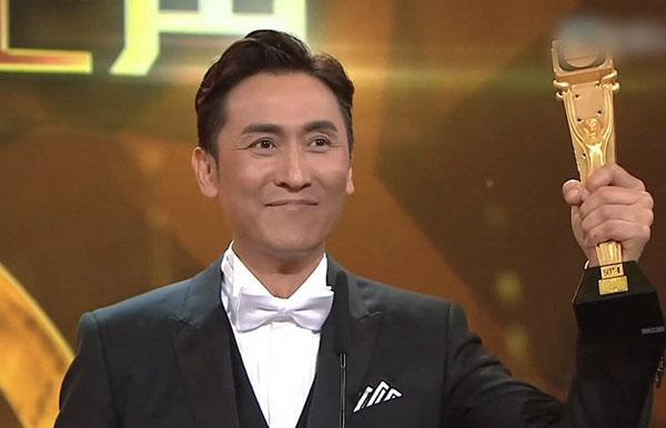 马德钟凭着《跳跃生命线》首次夺得最佳男主角奖。