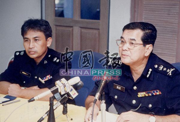 时任雪州总警长聂依斯迈亲自到场巡视和指挥警力布署。