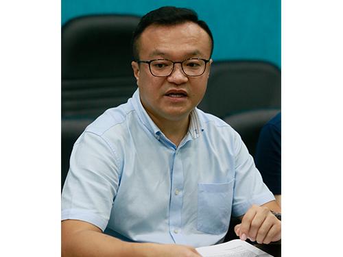 游佳豪:民主行动党甲洞区服务中心愿意充当中介人,提供场地让郑琳珊与丈夫商谈。