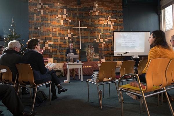 荷兰海牙的伯特利教会,为了庇护一户亚美尼亚难民家庭,免于遭遣返的厄运,至今已祝祷1200小时。