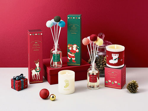 一系列圣诞限定套装,包括有品牌的皇牌产品,部分人气护肤产品更变身为增量版,配合圣诞设计,朋友们收到这系列礼物一定非常兴奋!