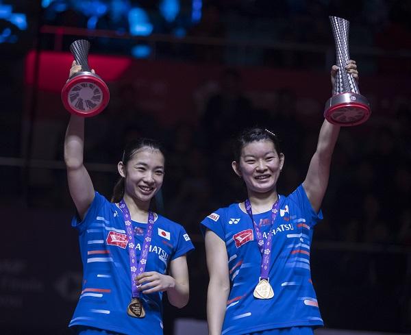 松友美佐纪(左)与高桥礼华称霸女双。(欧新社)